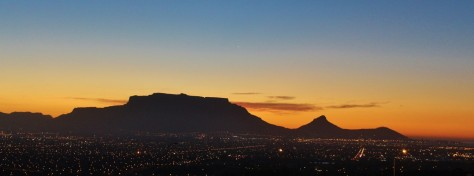 table-mountain-sunset-cape-town-night-lighting